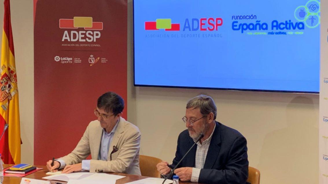 José Hidalgo y Jaime Lissavetzky firman el Memorándum de Entendimiento.